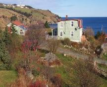 Exterior view from left side of property, showing Codner House with shed behind, 043 Lower Street, Torbay, NL, taken 2005/11/19.; Lara Maynard/HFNL, 2005.