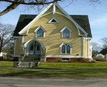 Front elevation, Job Hatfield House, Yarmouth, NS, 2006.; Heritage Division, NS Dept. of Tourism, Culture and Heritage, 2006.