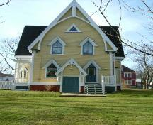 Rear elevation, Job Hatfield House, Yarmouth, NS, 2006.; Heritage Division, NS Dept. of Tourism, Culture and Heritage, 2006.