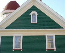 Detail of the pedimented gable on the east side of the Senator John Lovitt House, Yarmouth, NS, 2006.; Heritage Division, NS Dept. of Tourism, Culture and Heritage, 2006