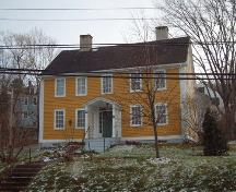Front elevation, Randall House, Wolfville, NS. 2005.; Heritage Division, NS Dept. of Tourism, Culture and Heritage, 2005