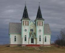 Front elevation of Bekevar Church, 2004.; Government of Saskatchewan, Brett Quiring, 2004.