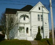 Front elevation of the Capt. Charles P. Kinney House, Yarmouth, NS. 2006; Heritage Division, NS Dept of Tourism, Culture and Heritage, 2006