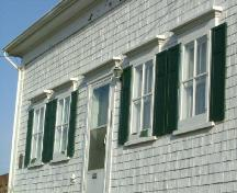 A detailed view of the façade  bays of the James Jenkins, Jr. House, Yarmouth, NS, 2006.; Heritage Division, NS Dept. of Tourism, Culture and Heritage, 2006