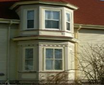 A closer view of the bay window on the west side of the Alfred Shaw House, Yarmouth, NS, 2006.; Heritage Division, NS Dept. of Tourism, Culture & Heritage, 2006