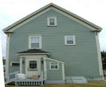 Rear elevation of the Capt. Charles Carty House, Dayton, Yarmouth County, NS, 2006.; Heritage Division, NS Dept. of Tourism, Culture & Heritage, 2006