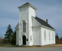 A south perspective of the Chebogue Meeting House, Rockville, Yarmouth County, NS, 2006.; Heritage Division, Dept. of Tourism, Culture & Heritage, 2006