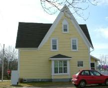 The rear elevation of the Andrew Lovitt House, Milton Highlands, Yarmouth County, NS, 2006.; Heritage Division, NS Dept. of Tourism, Culture & Heritage, 2006