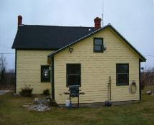 Rear elevation of the Benjamin B. Porter House, Cedar Lake, Yarmouth County, NS, 2006.; Heritage Division, NS Dept. of Tourism, Culture & Heritage, 2006