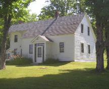 Front elevation perspective, Manson House, North Lochaber, NS, 2005.; Heritage Division, Nova Scotia Department of Tourism, Culture and Heritage, 2005