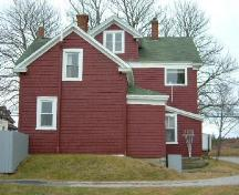 The rear elevation of the Jacob Tedford House, Dayton, Yarmouth County, NS, 2006.; Heritage Division, NS Dept. of Tourism, Culture & Heritage, 2006