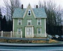 Front elevation, Lakeview House, Big Pond, NS, 2006.; Heritage Division, NS Dept. of Tourism, Culture and Heritage, 2006