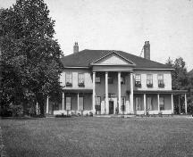 Showing property in 1910; Library and Archives Canada / PA-020763