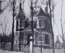 Exterior photo of Winterholme around 1916-1920.; Winterholme Heritage Inn 2006
