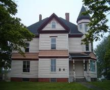 Front elevation, Samuel Crowell House, Yarmouth, 2004.; Heritage Division, NS Division of Tourism, Culture and Heritage, 2004.