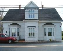 Front elevation, Flynn-Cutler-Robichaud House, Arichat, NS, 2005.; Heritage Division, Nova Scotia Department of Tourism, Culture and Heritage, 2005