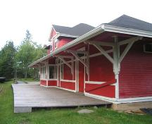 Musquodoboit Harbour Railway Museum, large overhang brackets, horizontal trim boards, corner pilasters, Musquodoboit Harbour, Nova Scotia, 2005.; Heritage Division, NS Dept. of Tourism, Culture and Heritage, 2005.