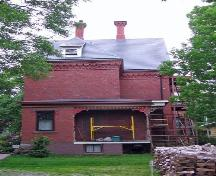 Rear elevation, Charles Richards House, Yarmouth, NS, 2005.; Heritage Division, NS Dept. of Tourism, Culture and Heritage, 2005.