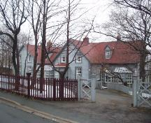 Exterior view of 070 Circular Road, showing main dwelling house.; City of St. John's 2006.