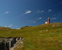 View of Lighthouse Keeper's Dwelling and Tower, Ferryland, NL looking north.; Paul Boyer