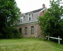 McCulloch House, Pictou, NS, front elevation, 2004.; Heritage Division, NS Dept. of Tourism, Culture and Heritage, 2004.