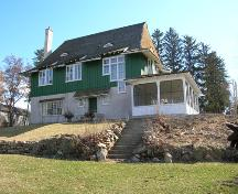 Mackie Lake House front (west) elevation, 2006; Heritage Branch