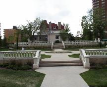Formal garden, walkways and railings to the east of the Senator Lougheed Residence Provincial Historic Resource, Calgary (May 2000); Alberta Culture and Community Spirit, Historic Resources Management Branch, 2000