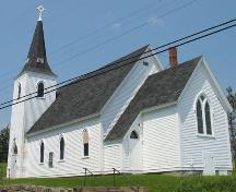 Front and side profiles, Union Church of Indian Point, Indian Point, Lunenburg County, Nova Scotia, 2006.; Heritage Division, Nova Scotia Department of Tourism, Culture and Heritage, 2006.