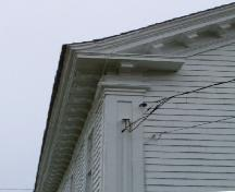Detail of eave return and dentils, Tusket Court House, Tusket, NS, 2004.; Heritage Division, NS Dept. Tourism, Culture and Heritage, 2004