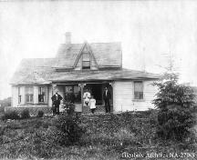 Stephan G. Stephansson House and Stephansson Family (1907); Glenbow Archives, NA-270-3