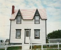 Facade of Alexander and Jennie Templeman House, Bonavista, circa 1997; HFNL 2004
