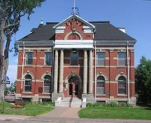 Colchester County Courthouse, front elevation, 2004; Heritage Division, N.S. Dept. of Tourism, Culture and Heritage, 2004