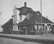 Exterior view of the Esquimalt and Nanaimo Railway Station, ca. 1970; Nanaimo Community Archives, Jack E.Work Fonds, Photo No. 1994 025 A-P36