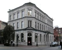 Exterior view of the Bank of B.C., 2004.; City of Victoria, Liberty Walton, 2004.