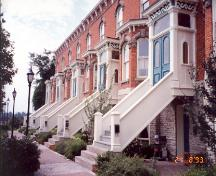 Detailed view of main (south) facade looking west towards Pinnacle Street – August 1993; OHT, 1993