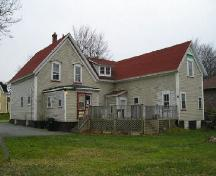 The back of the Jacob Sweeny House, Yarmouth, NS; Heritage Division, NS Dept. of Tourism, Culture & Heritage, 2006