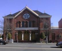 Exterior view of the Congregation Emanu-el Synagogue, 2004.; City of Victoria, Berdine Jonker, 2004.