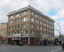 Exterior view of the Douglas Hotel, 2004.; City of Victoria, Steve Barber, 2004.