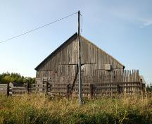 Primary elevation, from the south, of the barn on the Armstrong Farm Site, Rossburn area, 2006; Historic Resources Branch, Manitoba Culture, Heritage and Tourism, 2006