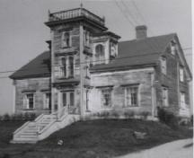 An old photo of the Ellery Scott House, Yarmouth, NS, taken at an unknown date; Courtesy Yarmouth County Museum & Archives