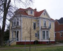 A southeast view of the Fuller House, Yarmouth, Nova Scotia; Heritage Division, NS Dept. of Tourism, Culture & Heritage, 2006