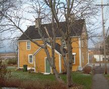 Rear elevation of Randall House, Wolfville, NS, 2006.; Heritage Division, NS Dept. of Tourism, Culture and Heritage, 2006.