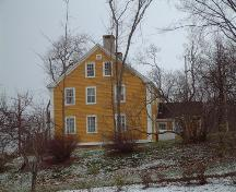 West side of Randall House, Wolfville, NS, 2005.; Heritage Division, NS Dept. of Tourism, Culture and Heritage, 2005.