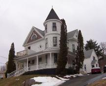 Side elevation, Oakes House, Wolfville, NS, 2006.; Heritage Division, NS Dept. of Tourism, Culture and Heritage, 2006