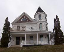 Front facade, Oakes House, Wolfville, NS, 2006.; Heritage Division, NS Dept. of Tourism, Culture and Heritage, 2006