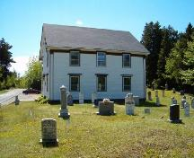 North east elevation and cemetery, Northwest United Baptist Church, Fauxburg, 2004.; Heritage Division, NS Dept. of Tourism, Culture and Heritage, 2004.