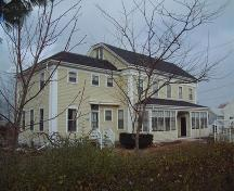 side elevation, Brown House, Wolfville, NS, 2006; Heritage Division, NS Dept. of Tourism, Culture and Heritage, 2006