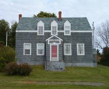 Front elevation, William Stalker Homestead, Lockeport, 2004.; Heritage Division, NS Dept. of Tourism, Culture and Heritage, 2004.