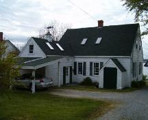 Rear elevation, Gurden Bill Homestead, Lockeport, 2004.; Heritage Division, NS Dept. of Tourism, Culture and Heritage, 2004.