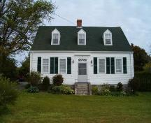 Front elevation, Gurden Bill Homestead, Lockeport, 2004.; Heritage Division, NS Dept. of Tourism, Culture and Heritage, 2004.